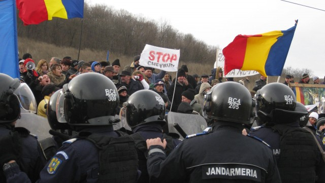 Opposition to Chevron's plans to frack in the village of Pungeşti, Romania